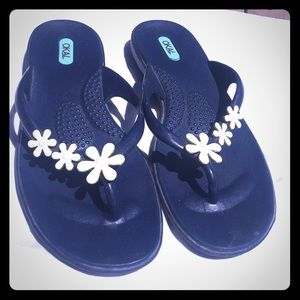 Oka-B flip flops size M/L